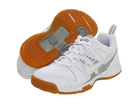 Adidasi Nike - Multicourt 10 - White/White-Gum Light Brown/Metallic Silver