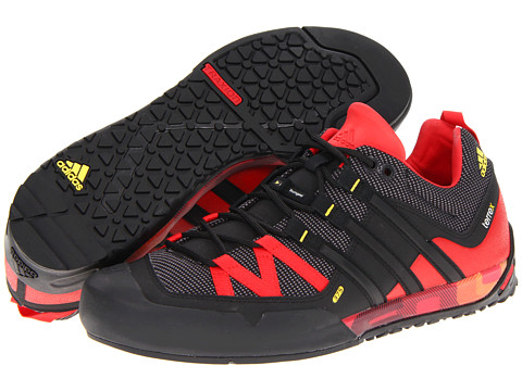 Adidasi adidas - Terrex Solo - Sharp Grey/Black/Vivid Red