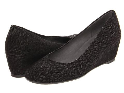 Pantofi Stuart Weitzman - Sojourn - Black Goose Bump Nappa