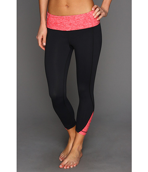 Pantaloni Under Armour - UA Gather N Give Capri - Black/Hibiscus/Metallic Pewter