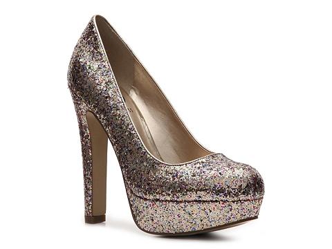 Pantofi G by GUESS - Verna Glitter Pump - Wide Width - Gold Multi