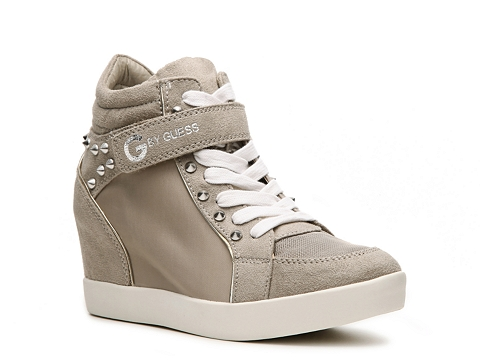 Adidasi G by GUESS - Putnam Wedge Sneaker - Taupe