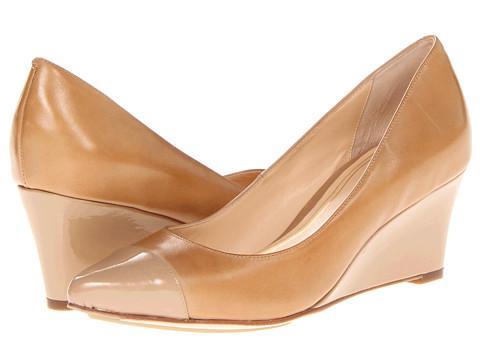Pantofi Cole Haan - Chelsea Low Wedge - Sandstone/Sandstone Patent