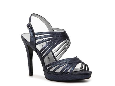 Sandale Adrianna Papell Boutique - Abbie Platform Sandal - Navy