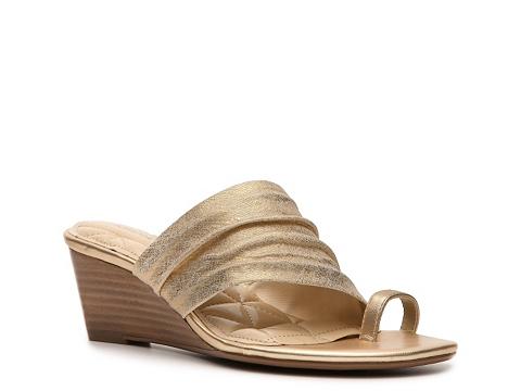Sandale Adrienne Vittadini - Chalynn Wedge Sandal - Gold