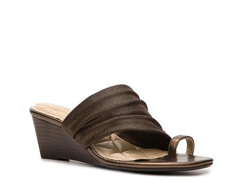 Sandale Adrienne Vittadini - Chalynn Wedge Sandal - Bronze