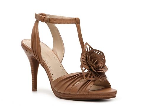 Sandale Adrienne Vittadini - Chrysalis Platform Sandal - Beige