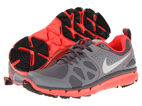 Adidasi Nike - Flex Trail Shield - Dark Grey/Cool Grey/Bright Crimson/Metallic Silver