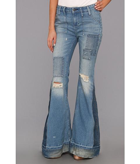 Blugi Free People - Destroyed Flare Jean In Selena Wash - Selena Wash