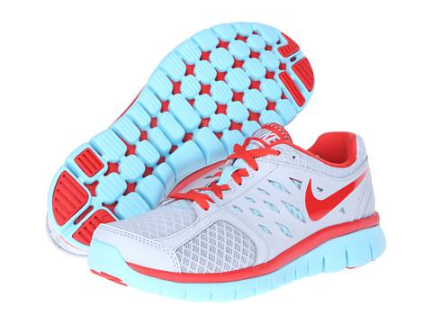 Adidasi Nike - Flex 2013 Run - Pure Platinum/Light Crimson/Glacier Ice/Light Crimson