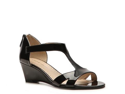 Sandale Adrienne Vittadini - Cissy Wedge Sandal - Black
