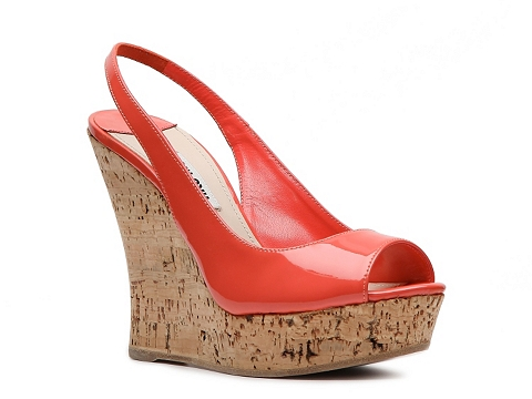 Sandale Miu Miu - Patent Leather Wedge Sandal - Coral