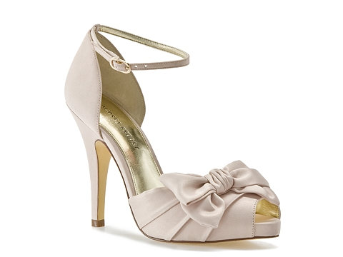 Pantofi Audrey Brooke - Earth Platform Pump - Champagne