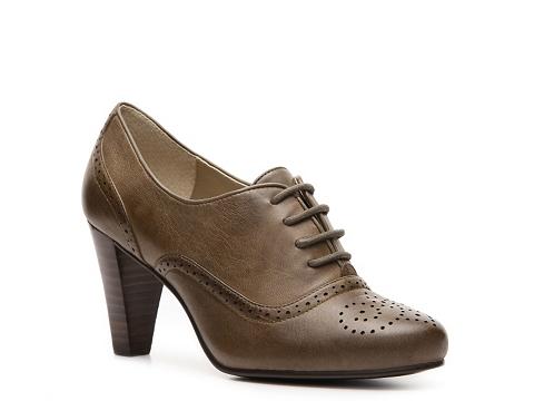 Pantofi Adrienne Vittadini - Pennsville Oxford Pump - Taupe