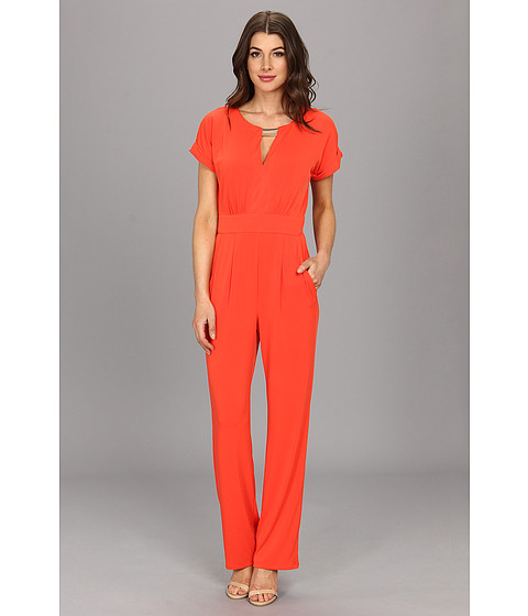 Pantaloni Vince Camuto - Jersey Jumpsuit w/ V-Neck Cutout Gold Hardware And Short Sleeves - Orange